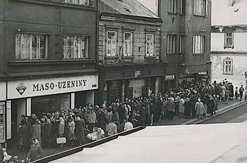 queue-achat-magazins-prague-communiste.jpg
