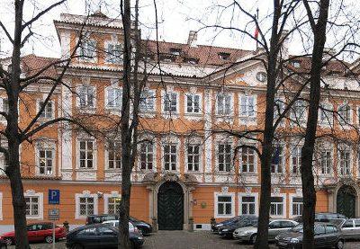palais buquoy ambassade france prague